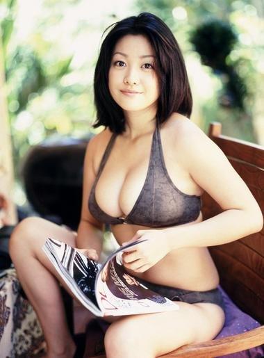 小向美奈子のセクシー写真