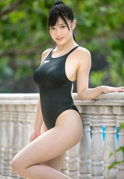 高崎聖子の競泳水着画像