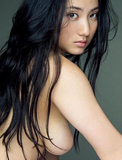 紗綾のセミヌード画像