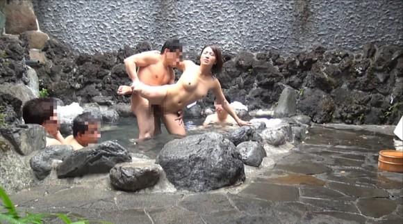温泉の盗撮画像7
