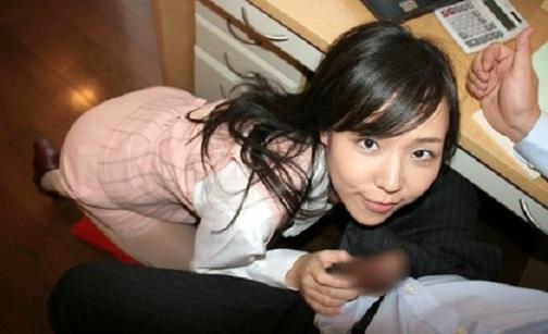 秘書の手コキ画像