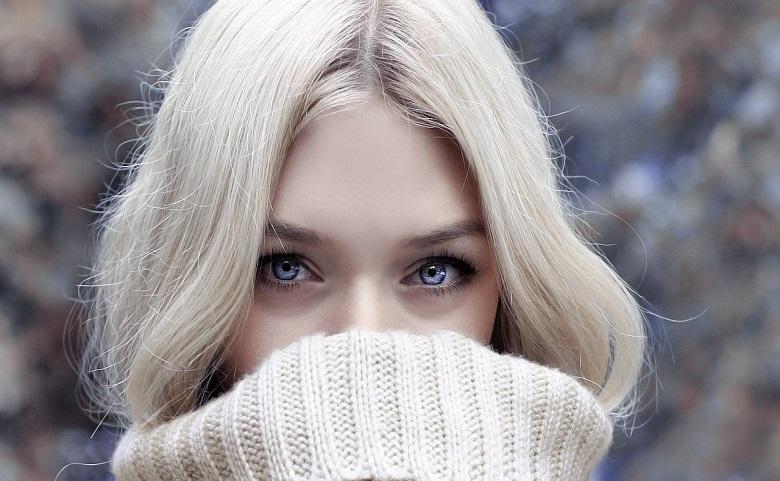 金髪ロシア美女